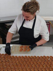 Chocolatier van patisserie tops edelgebak in bilthoven, soest en zeist